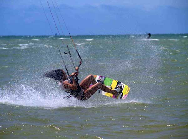 kiteboarding_girl_600x444